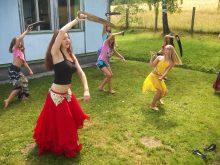 2015 Břišní tanec se šavlemi